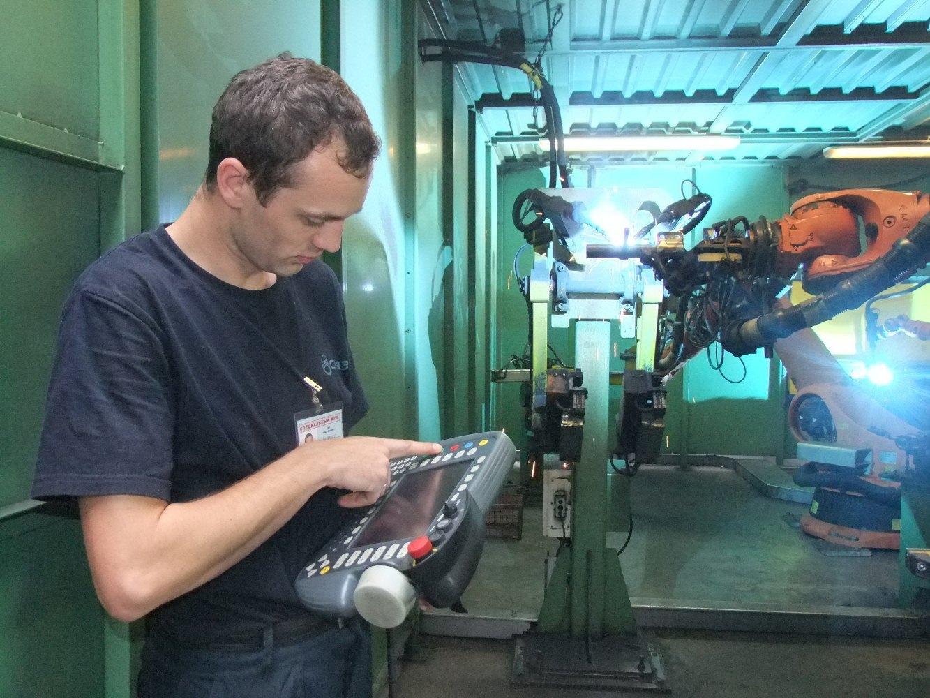 Работа на роботизированной сварочной линии KUKA